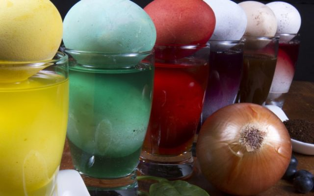 Organic Easter Egg Dyeing with Natural Ingredients - Utopia
