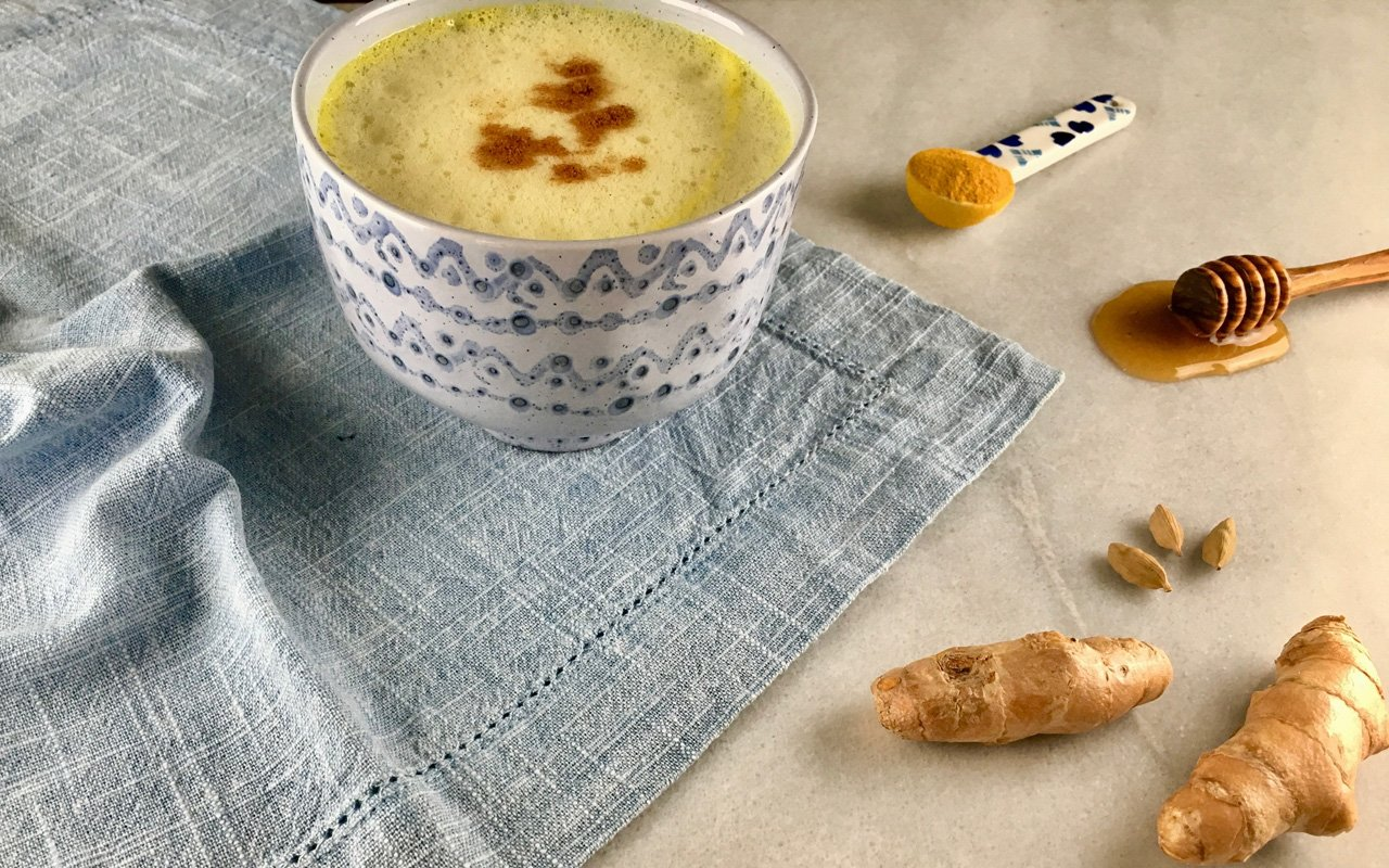 Our golden milk recipe helps you create a tasty and healthy turmeric latte.